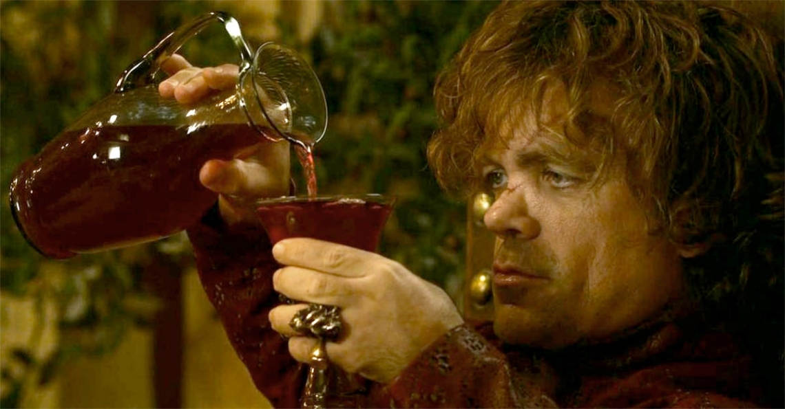 gameofthrones-tyrion-pouringwine